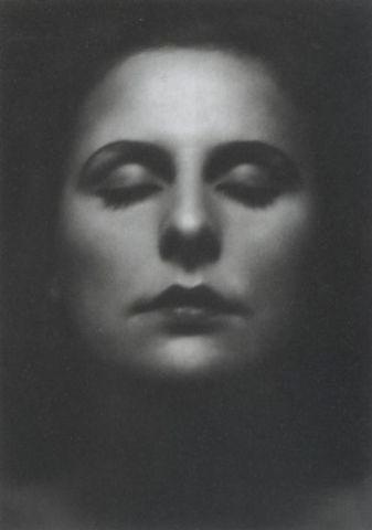 Pro-Nazi - Leni Riefenstahl